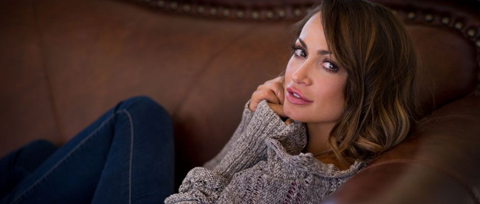 Karina Smirnoff<br /> Telling Stories, Changing Lives